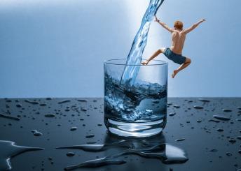 Neem voor je gaat slapen een groot glas water